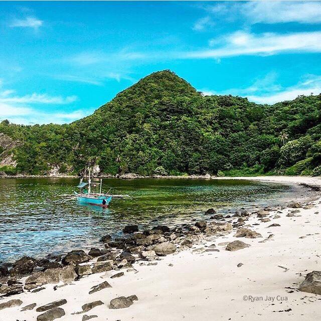 Pinta Beach, Carorian, Bato, Catanduanes